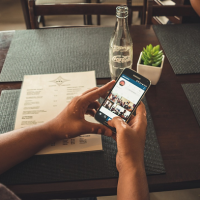 INstagram pixabay mobile smartphone restaurant